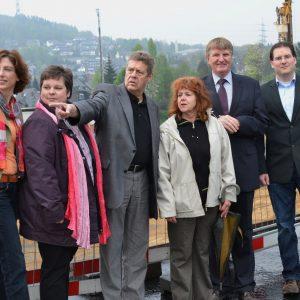 Gemeinsam mit den Bundestagsabgeordneten Sabine Bätzing-Lichtenthäler (l.) und Willi Brase (3.v.l.) verschafften sich die Siegener SPD-Stadtverbandsvorsitzende Tanja Wagener (2.v.l.), Fraktionschef Detlef Rujanski (2.v.r.) sowie die beiden Niederscheldene