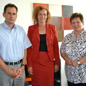Tanja Wagener (r.), SPD-Abgeordnete und Mitglied des Rechtsausschusses im Landtag, sicherte Landgerichtspräsidentin Dagmar Lange (Mitte) und Geschäftsleiter Stephan Saßmannshausen (l.) in einem Gespräch zu, die heimische Justiz im Rahmen ihrer Möglichkeit