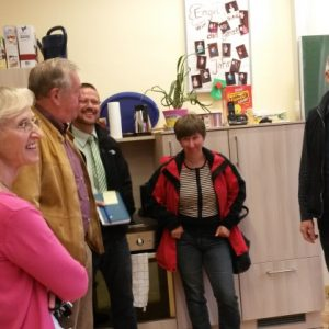 Wolfgang Kasper (SPD Fraktionsvorsitzender), Frau Wahl, Herr Goedecke (Schulleiter), Albert Diehl (SPD), Frau Hertzfeldt  (stellv. Schulleiterin)