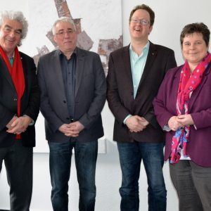 Kreiskulturreferent Wolfgang Suttner (l.) und Michael Nassauer (2.v.r.), Intendant der Philharmonie Südwestfalen, sprachen jetzt mit den SPD-Abgeordneten Tanja Wagener (r.) und Falk Heinrichs (2.v.l.) über die künftige Finanzierung des Orchesters.