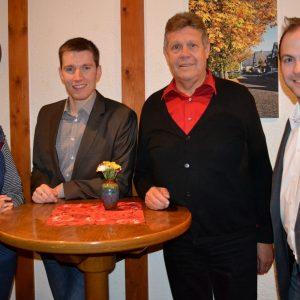 Hannes Gieseler (2.v.l.) ist neuer Vorsitzender des Unterbezirksausschusses (UBA) der SPD im Kreis Siegen-Wittgenstein, seine Stellvertreter sind Jasmin Reichmann (l.) und Steffen Löhr (r.). Unterbezirksvorsitzender Willi Brase (2.v.r.) zeigte sich erfreu